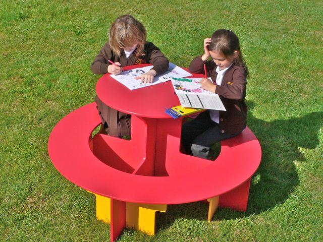 Kedel Round Recycled Plastic Table for Children made from HDPE sheet